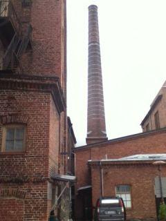 nonameが入る綿工場を改装したビル
